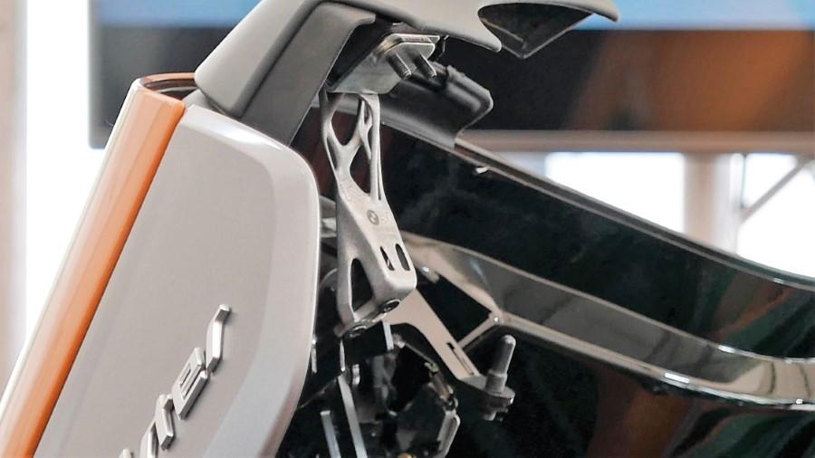 BMW i8 3D-geprinte bracket