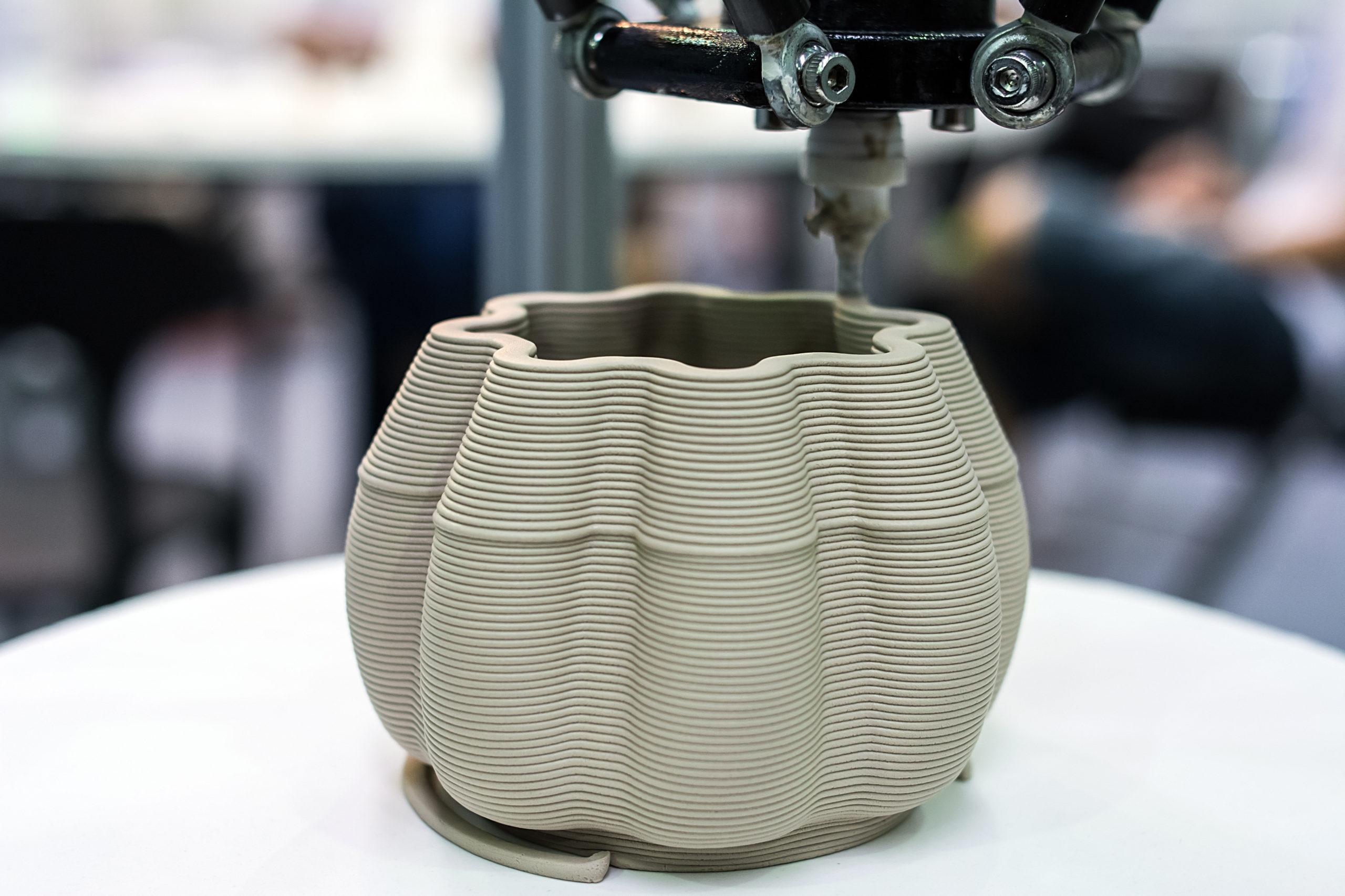 3D printed ceramic ware / 3D printer